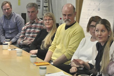 Står sammen: Fredrikstad kommune fikk nyttig informasjon om hvordan den frivillige innsatsen kan styrkes. De fremmøtte foreslo nye møteplasser og flere fritidsaktiviteter. Foto: Øivind Lågbu