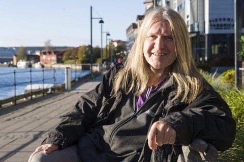Trond Braaten er et kjent fjes for mange i musikkmiljøet i Fredrikstad. Natt til mandag ble han utsatt for et frekt tyveri av mange verdifulle og unike gjenstander fra Tøihuset i Gamlebyen.