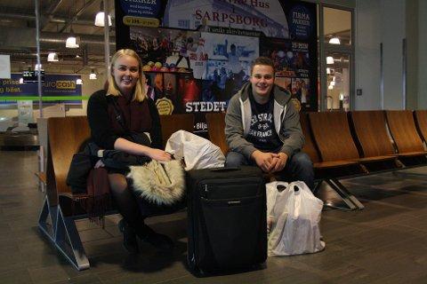 Anna Kraugerud og Thomas Sollie måtte korte ned ferien for å rekke å lande på Rygge.