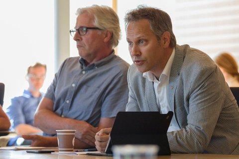 Får bredside: Rådmann Ole Petter Finess og ordfører Jon-Ivar Nygård får klar melding om at de ikke har tillit i de sakene som for tiden er mest diskutert i Fredrikstad kommune.