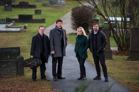 Tøff jobb: Per Viggo Nilsen, Bjørnar Spydevold, Maria Mohn og Jonas Groth synger ofte i begravelser. Noen er tøffere enn andre, som for eksempel når barn og unge skal begraves.