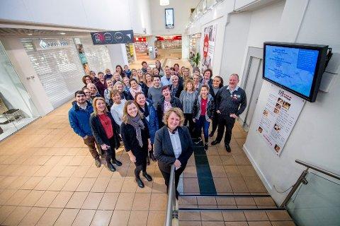 Østfoldhallenes senterleder Anne Vik og de andre butikksjefene i kjøpesenteret jubler for rekord-året 2016.