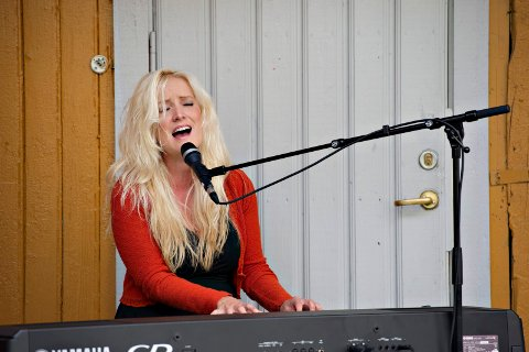 SJOKKERT: Musiker Maria Mohn synes ikke det er greit at noen bruker hennes navn i jakten på kvinners brukte truser. – Jeg er helt sjokkert, og har aldri vært borte i noe lignende, sier hun.