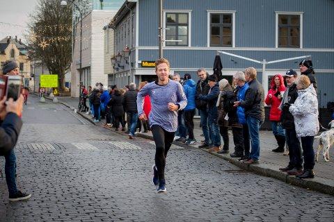 VINNER I HERREKLASSEN: August Flø tok en overlegen seier i herreklassen med tiden 10:07.