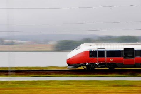 Stopper: Toget stopper før det har nådd Oslo i påsken.