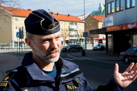 Jörgen Olsson er innsatssjef i Strömstad. .Strömstad-polisen forbereder seg på storinnrykk skjærtorsdag.