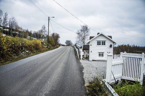 Delvis oppusset: Huset i Lislebyveien, men eierne var ikke ferdige å renovere huset. De hadde flere planer for det, opplyser de til FB. Prisen som ble satt av takstmann og megler tok ikke høyde for vann- og avløpspålegg med prisanslag på 500.000 som kommunen nå må løse.Arkivfoto: Geir A. Carlsson