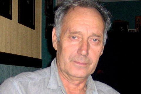 Roy W. Adamsen lar alvoret skinne tydelig gjennom når han skriver om rariteter og skjemt.