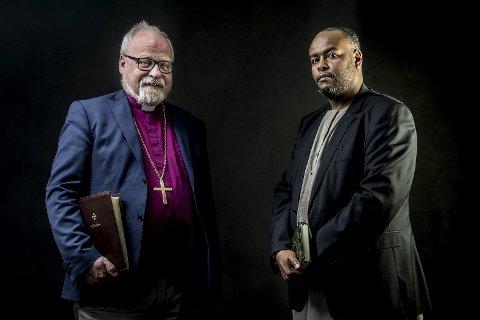 Side om side: Biskop Atle Sommerfeldt og nestleder i moskeen på Lisleby Mohamed Warsame ønsker å samarbeide mer på tvers av religiøs tilknytning.