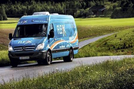 STOPP: TT-brukere har kunnet kjøre Flexx-buss til 15 kroner. 1. juli er det slutt. Arkivfoto: Østfold fylkeskommune