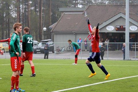 Stian Eriksrud og Ingar Olsen scoret fire mål hver da Skiptvet ble sendt hjem fra Idrettsparken med 9-0 i sekken tirsdag kveld.