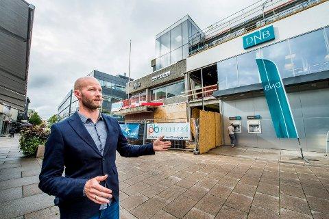 Gårdeier Sander Grundvig i Cityplan AS mener det nye Dnb-bygget er et løft for sentrum.