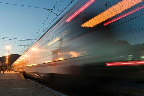 Ved hjelp av shuttlebusser skulle Montabaur jernbanestasjon i Rhindalen ta trafikken fra Koblenz, men det var ikke slik de reisende ønsket det, skriver Kristoffer Hagen. (Illustrasjonsbilde)