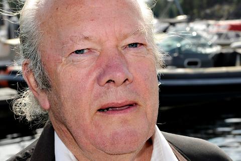 Nils E. Øy