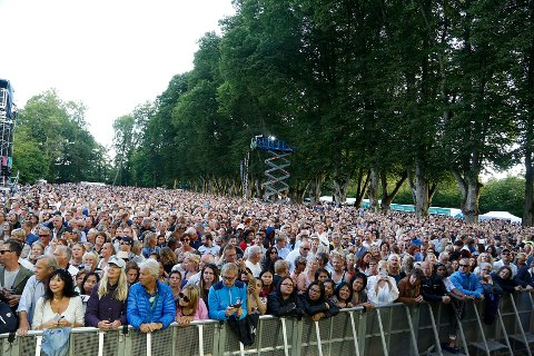 Folkefest for tusener: Konserten med Lionel Ritchie i Hafslundparken var et av jubileets klare høydepunkter. Jubileumssjefen berømmer folk i Halden og Fredrikstad for å ha møtt opp på arrangementene.