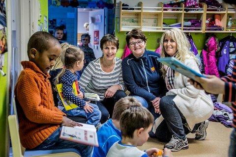 Nyutdannete: Rita Gjermundsen, Gerd Iren Andersen og Liv Talberg-Torp er blitt barne- og ungdomsarbeidere etter å ha bestått fagprøven. Den består av en skriftlig og praktisk eksamen.