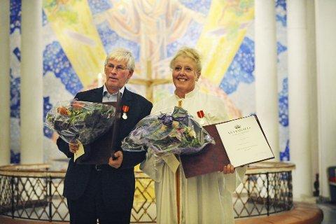 HEDER OG ÆRE: Vigdis Djupang og Svein Erik Gundersen vant sammen hedersprisen under kveldens utdeling. Djupang var ikke tilstede, men ektemannen tok imot prisen på vegne av dem begge.-