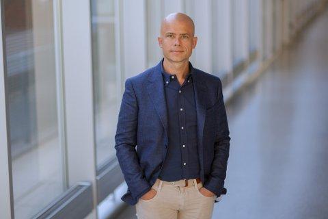 Lars-Petter Jelsness-Jørgensen har fått tilbud om rektorstillingen frem til 2025.