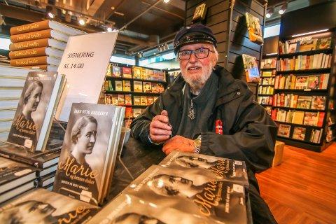 Ny bok: Jahn Otto Johansen leter etter svar på jakten i egen familie. Det har ført ham til Fredrikstad.