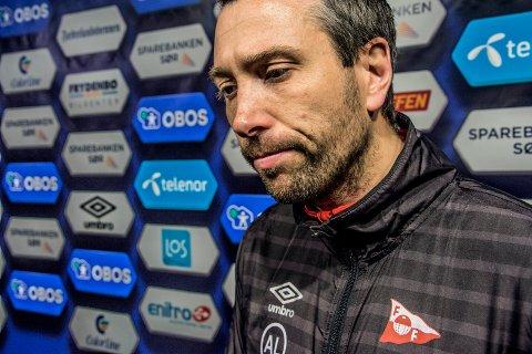Brevforfatter Hogsted mener FFK bør satse på innsats fremfor taktikk, og at trener Andrea Loberto bør få avløsning i de fire seriekampene som gjenstår.