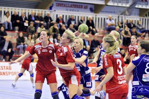 GAMLE KJENTE: Kari Brattset (til venstre) spilte blant annet sammen med Ida Wernersen under sin tid i FBK. Foto: Kent Inge Olsen