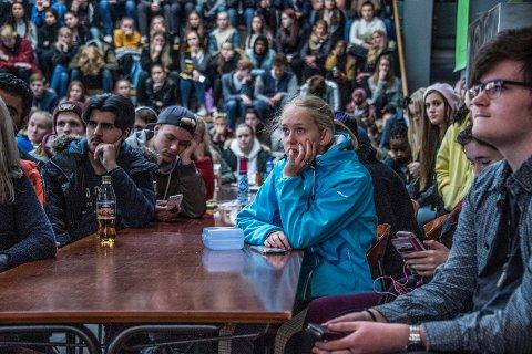 Har de det bra med skolen?: Full konsentrasjon hos Glemmen-elevene idet Lene Alexandra gjestet skolen i anledning Verdensdagen for psykisk helse.