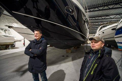 Kenneth Haraldsen, til venstre,  og Håvard Bjercke som jobber i anlegget og er med på eiersiden i driftsselskapet.