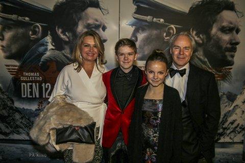 Tok med Familien: Harald Zwart tok med seg kona Veslemøy, og barna Zander og Stella på premièren i Fredrikstad. Alle Foto: Harry Johansson