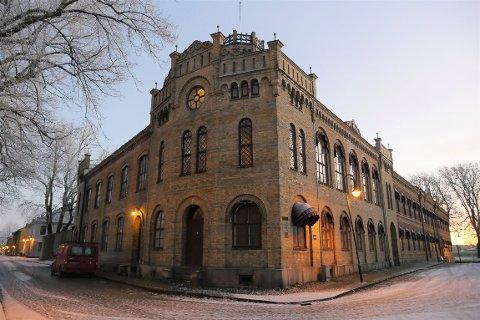 Stillasene fjernet: Byggearbeidene i det tidligere fengselet er ferdig. Regningen endte på fire millioner. (Foto: Øivind Lågbu)