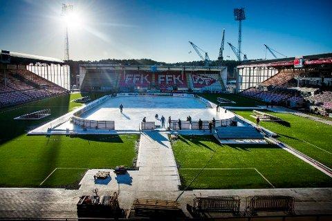Startet i januar: Kommunens store jubileumssatsing startet på Fredrikstad stadion med «Fredrikstad på isen», fredagen før Winter Classic