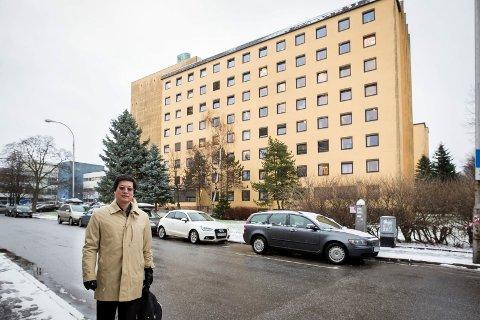 Uklart: Kommunen håper at sykehuseier Kan Cao vil selge en del av tomten slik at det kan bygges ny skole. Advokaten hans sier de er interessert, men i forslaget deres til reguleringsplan er det ikke avsatt skoletomt.