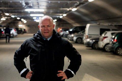 Frode Samuelsen må stramme inn på kriteriene for å få HC-kort etter nye parkeringsforskrifter.