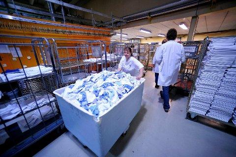 Velgaard vil ha granskning: Flertallet i bystyret har vedtatt å bygge eget vaskeri. Sentralvaskeriet (på bildet) var en av bedriftene som ønsker  anbudskonkurranse. Nå er spørsmålet om kontrollutvalget skal granske beslutningsgrunnlaget. (Arkivfoto: SA)