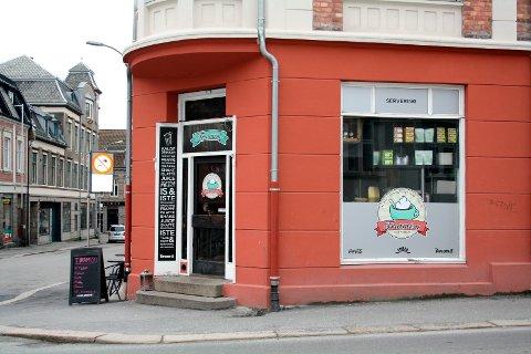 Fra strek til smil: Mattilsynets inspeksjon viser nå at alt er på stell i denne kaffebaren.