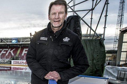 FORTSETTER JAKTEN: Stjernens sportssjef Rune Gulliksen har flere kandidater som ny trener under lupen. .