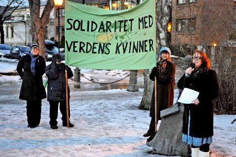 «Kampen er ikke vunnet»: Kronikkforfatter Camillia Sørensen Eidsvold holdt selv appell under 8. marsarrangementet i Fredrikstad i 2011.