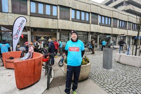Optimist: Lars Husvik i Sykkelbyen Nedre Glomma kan fornøyd konstatere at stadig flere vil sykle.