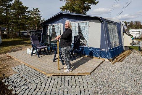 SAVNET CAMPINGLIVET: Karina Mehlum hadde savnet campinglivet. Nå har hun plass på Bevø camping.