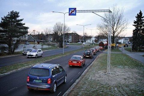 KOLLEKTIVFELT: Fra og med fredag 21. april forsvinner sambruksfeltet (2+) mellom Rakkestadsvingen og rundkjøringen på østsiden av Fredrikstadbrua.