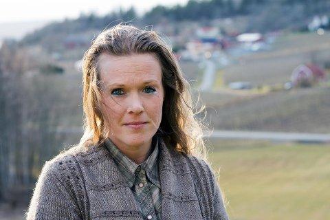 Abortnekter Ellinor Grimmark tapte to rettssaker i Sverige, og måtte betale regning på 1,6 millioner. Nå har givere fra både Norge og Sverige betalt regningen.