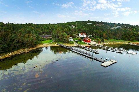– Alt til sin tid, vi er litt mette på sjøen, fortalte Pål Terje Gabrielsen i fjor da ha la ut hytta på Brattholmen til salgs for 60 millioner kroner. Nå har han kjøpt dette stedet på Engelsviken for 22 millioner kroner.