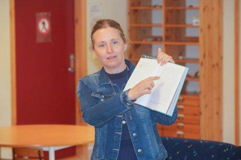 Leste høyt: Hilde Hagerup leste høyt for elevene på Rødsmyra. Den nye barneromanen er nå ute.