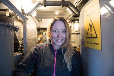 PROGRAMLEDER: Lotte Olsen, kjent fra NRK Østfold, skal være programleder ombord på NRKs «Sommertoget».