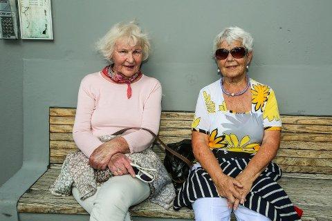 Fornøyde damer: Gerd Eskildsen (til venstre) og Jørna Guldberg var med på byfesten.