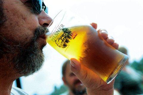 PRISFORSKJELLER PÅ ØLEN: Årets halvliterguide viser store forskjeller i prisene på øl i Fredrikstad.