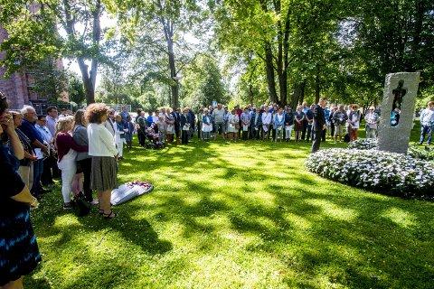 Minnemarkering: Lørdag er det igjen markering ved minnesmerket for 22. juli terroren.