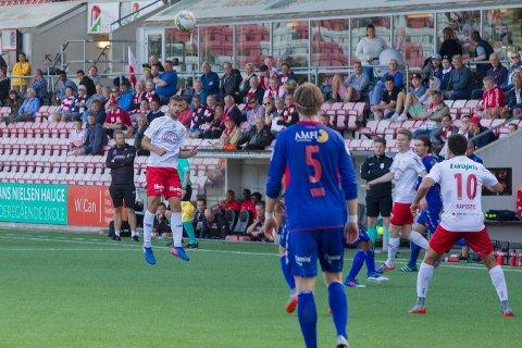 BLIR: Dinko Trebotic under søndagens kamp mot Tromsdalen. Mange trodde det ville bli hans siste i FFK-drakt, men ifølge ham selv blir han i klubben. (Foto: Christine Heim)