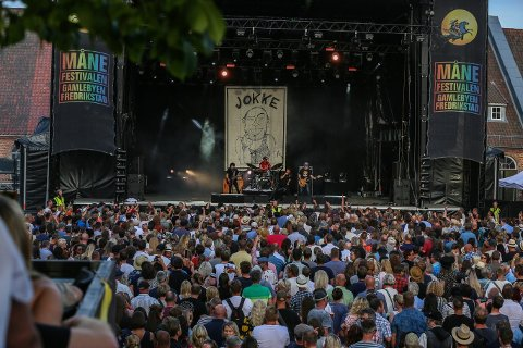 KOMMER TILBAKE:  Valentourettes har tatt på seg jobben med å forevige Joachim «Jokke» Nielsen sine legendariske rockelåter - til stor begeistring fra sommerens Måne-publikum. Nå gjester de Fredrikstad på nytt.