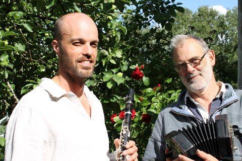Svensk uke: Patrik Wingård (til venstre) og Richard Burgess opptrer tre ganger på Syd-Koster denne uka.