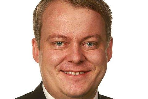Erlend Wiborg påpeker at andelen innvandrere som kommer i arbeid er lavere i Øsfold enn andre deler av landet.